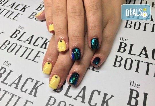 Маникюр и педикюр с гел лак Cuccio или the BLACK BOTTLE, бонус 2 декорации и сваляне на стар гел лак в салон BLOOM beauty & spa - Снимка 4