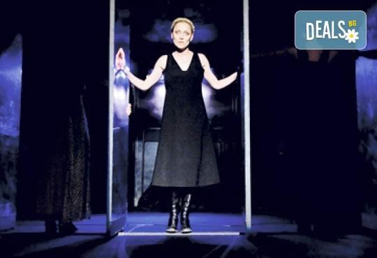 """Tри великолепни актриси в """"Nordost - приказка за разрушението""""! Младежки театър, камерна сцена, 11.10. от 19ч.! - Снимка 1"""