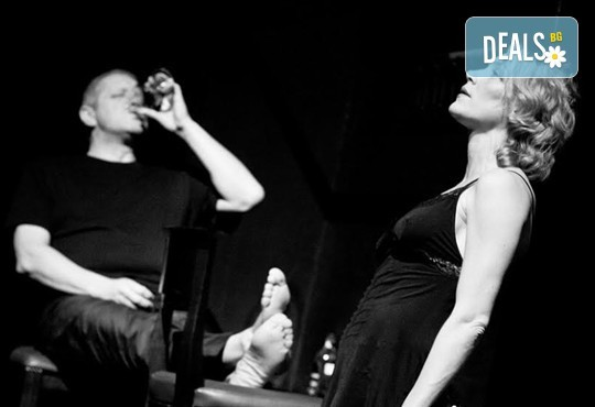 Не пропускайте! Влади Люцканов и Койна Русева в Часът на вълците, Младежкия театър на 27.10. от 19 ч, голяма сцена, билет за един - Снимка 3
