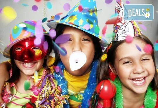 Три часа детски рожден ден за деца от 2 до 6 год. с включен куклен театър, безалкохолни напитки и зала за родителите от детски център Приказен свят - Снимка 12