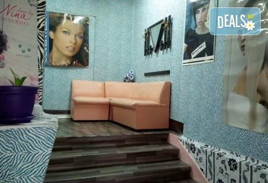 Ноктопластика чрез изграждане, маникюр с гел лак и 2 декорации или френски маникюр в салон за красота Reni nails - Снимка 4