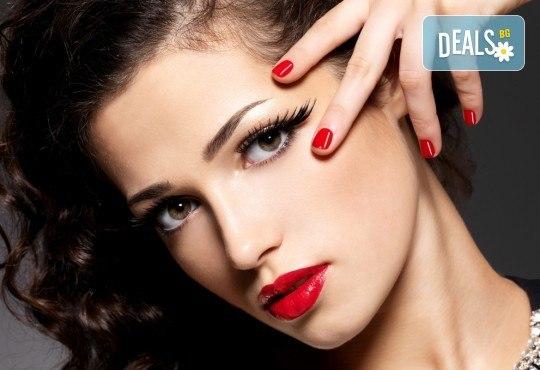 Дълготрайни цветове и безупречен стил! Маникюр с гел лак и сваляне на стар гел лак в A1 Beauty Salon - Снимка 2