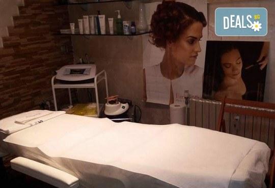 Ефикасна процедура за всеки тип кожа! Микроиглена мезотерапия в салон за красота Атилла - Снимка 4