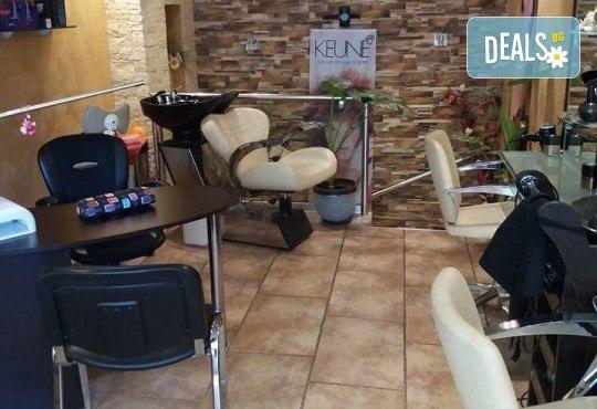Ефикасна процедура за всеки тип кожа! Микроиглена мезотерапия в салон за красота Атилла - Снимка 5