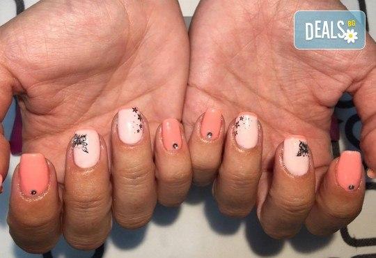 Прекрасни ръце! Маникюр с гел лак BlueSky, 4 рисувани декорации или вграждане на елементи при маникюрист на BM Hair Studio! - Снимка 9