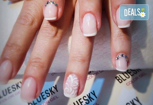 Прекрасни ръце! Маникюр с гел лак BlueSky, 4 рисувани декорации или вграждане на елементи при маникюрист на BM Hair Studio! - Снимка 11