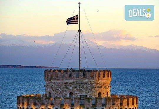 Нова година 2018 в Агиа Триада, Гърция! 2 нощувки, 2 закуски, 1 вечеря в Sun Beach 4*, празнична вечеря, транспорт и обиколка на Солун! - Снимка 2