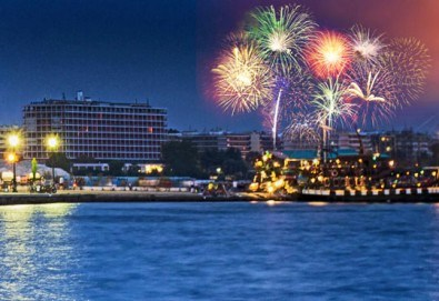 Нова година 2018 в Агиа Триада, Гърция! 2 нощувки, 2 закуски, 1 вечеря в Sun Beach 4*, празнична вечеря, транспорт и обиколка на Солун! - Снимка