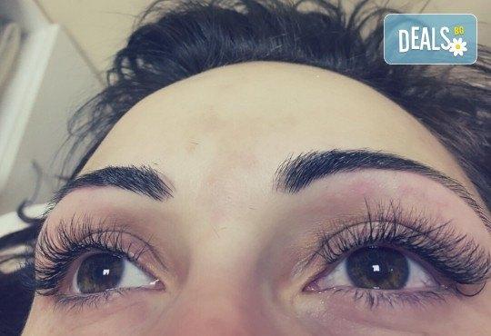 Омагьосвайте с очи! Поставяне на мигли по метода косъм по косъм, 3D или 6D технология в Салон за красота Еуфория - Снимка 4