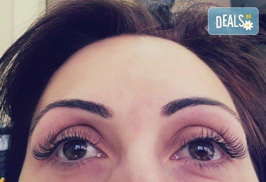 Омагьосвайте с очи! Поставяне на мигли по метода косъм по косъм, 3D или 6D технология в Салон за красота Еуфория - Снимка 5