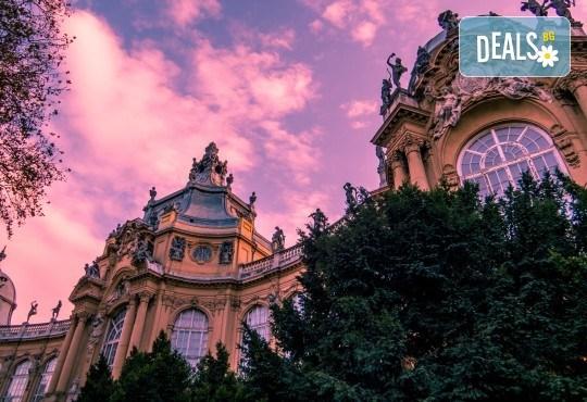 Екскурзия до Перлата на Дунава - красавицата Будапеща, през октомври! 2 нощувки със закуски, възможност за посещение на Сентендере, Естергом и Вишеград, транспорт и екскурзовод от Дрийм Тур! - Снимка 2