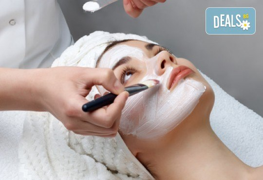 Дълбоко почистване на лице с френска козметика в Салон Miss Beauty