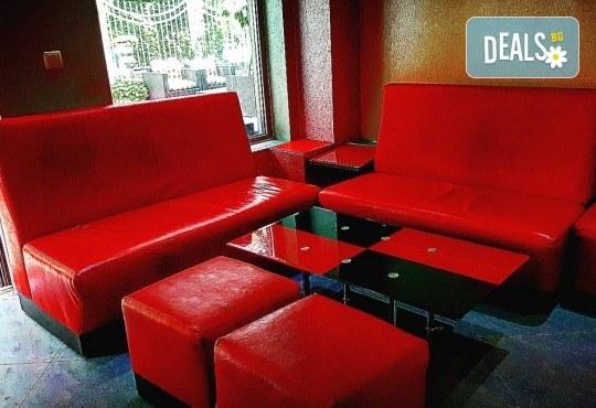 За Вашето парти! Наем на помещение за 2 часа с вътрешен отопляем басейн, 700 мл алкохол, безалкохолни напитки и наргиле от Obsession Club - Снимка 5