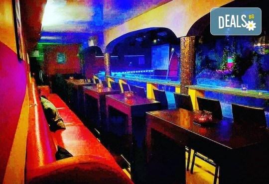 За Вашето парти! Наем на помещение за 2 часа с вътрешен отопляем басейн, 700 мл алкохол, безалкохолни напитки и наргиле от Obsession Club - Снимка 12