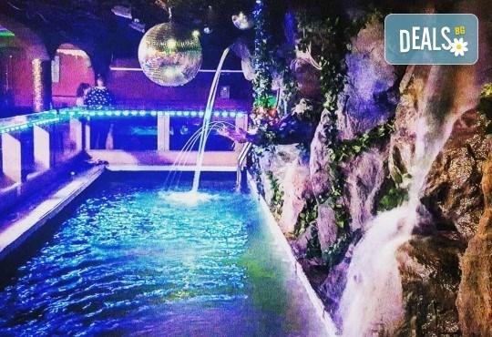 За Вашето парти! Наем на помещение за 2 часа с вътрешен отопляем басейн, 700 мл алкохол, безалкохолни напитки и наргиле от Obsession Club - Снимка 2