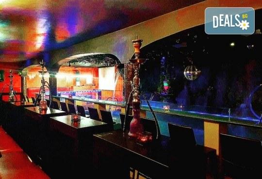 За Вашето парти! Наем на помещение за 2 часа с вътрешен отопляем басейн, 700 мл алкохол, безалкохолни напитки и наргиле от Obsession Club - Снимка 14