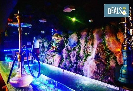 За Вашето парти! Наем на помещение за 2 часа с вътрешен отопляем басейн, 700 мл алкохол, безалкохолни напитки и наргиле от Obsession Club - Снимка 4
