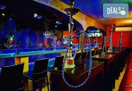 За Вашето парти! Наем на помещение за 2 часа с вътрешен отопляем басейн, 700 мл алкохол, безалкохолни напитки и наргиле от Obsession Club - Снимка 16