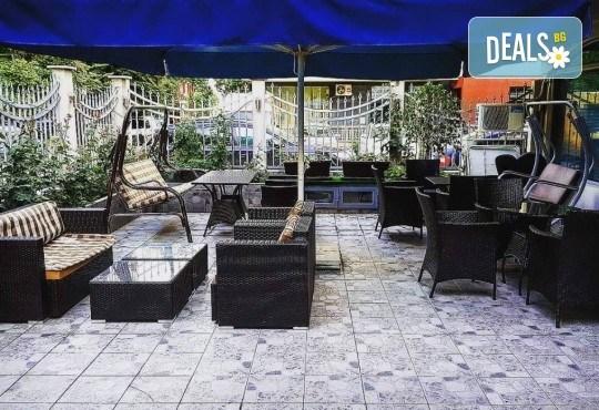 За Вашето парти! Наем на помещение за 2 часа с вътрешен отопляем басейн, 700 мл алкохол, безалкохолни напитки и наргиле от Obsession Club - Снимка 8