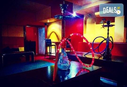 За Вашето парти! Наем на помещение за 2 часа с вътрешен отопляем басейн, 700 мл алкохол, безалкохолни напитки и наргиле от Obsession Club - Снимка 11