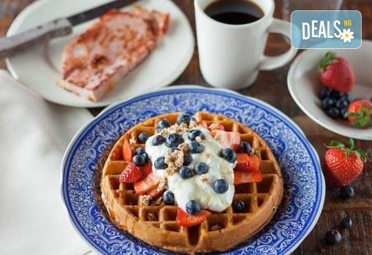 Апетитно и изгодно! Вземете вкусна гофрета и кафе от Obsession Club - Снимка 1