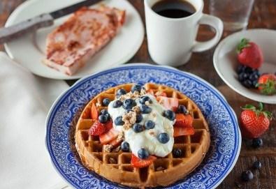 Апетитно и изгодно! Вземете вкусна гофрета и кафе от Obsession Club - Снимка