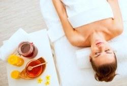 Меден детокс! 120-минутен SPA MIX - масаж с мед на гръб, антицелулитен масаж на бедра и козметичен масаж с мед на лице + бонус: йонна детоксикация GreenHealth - Снимка