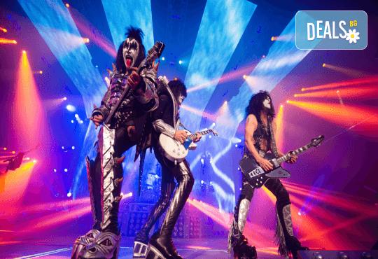 Само в Кино Арена! Прожекция на концерта KISS Rocks Vegas! На 31.10. от 20ч., в Premium и LUXE зали на Кино Арена в страната! - Снимка 4