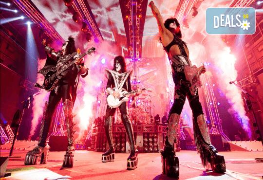 Само в Кино Арена! Прожекция на концерта KISS Rocks Vegas! На 31.10. от 20ч., в Premium и LUXE зали на Кино Арена в страната! - Снимка 6