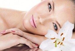 Луксозна грижа за красива кожа! Нано-хиалурнова терапия за лице в студио за красота Fabio Salsa - Снимка