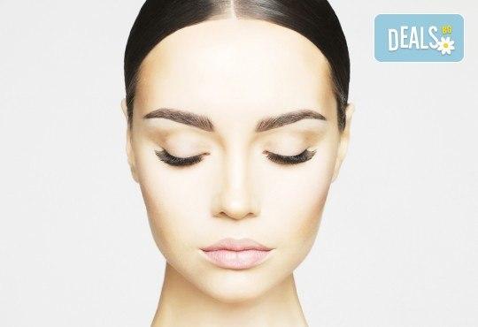 Подарете си изящен поглед с копринени мигли косъм по косъм или с 3D ефект в студио за красота Fabio Salsa! - Снимка 3