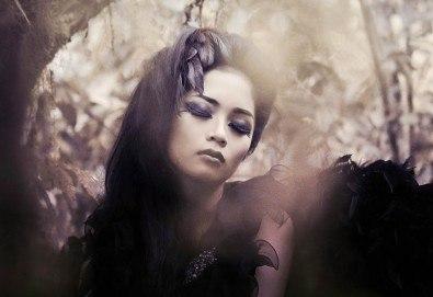 Впечатлете всички с хелоуински грим и оформяне на прическа в студио за красота Secret Vision - Снимка