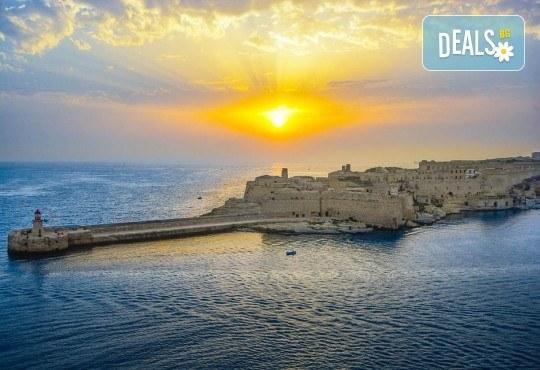 Предколеден уикенд в Малта! 3 нощувки със закуски, самолетен билет, трансфери и водач от ПТМ Интернешънъл - Снимка 3
