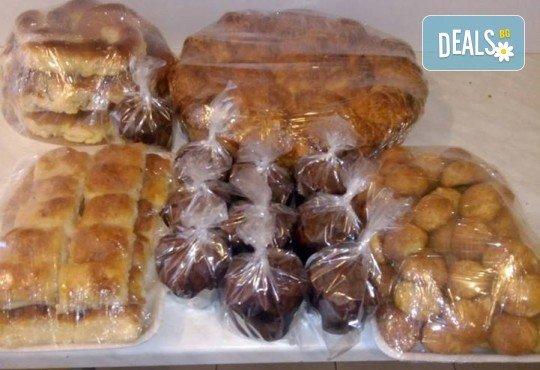 Пакет Детско парти! Сет за почерпка за празници на малки и големи: соленки, курабийки, какаови мъфини и банички на хапки от Работилница за вкусотии Рави! - Снимка 2
