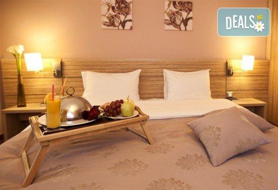 Нова година в Букурещ, Румъния! Екскурзия с 2 нощувки със закуски в Rin Grand Hotel 4*, транспорт, панорамна обиколка, екскурзовод и възможност за посещение на Синая от Комфорт Травел! - Снимка 7