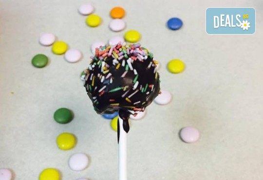 """С много внимание и щипка любов! Парти сет """"Бонбон"""" за Вашия празник – 20 мини гофрети и 5 Cake Pops, от Gofrilo - Снимка 6"""