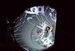 Каним Ви на театър с децата! Гледайте Алиса в страната на чудесата на 12.11. от 11 ч. в Младежки театър, голяма сцена! - Снимка
