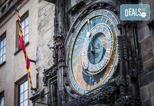 Предколедна екскурзия до Златна Прага! 3 нощувки със закуски в хотел 3*, транспорт, водач, пътни такси и посещение на Бърно - Снимка 7