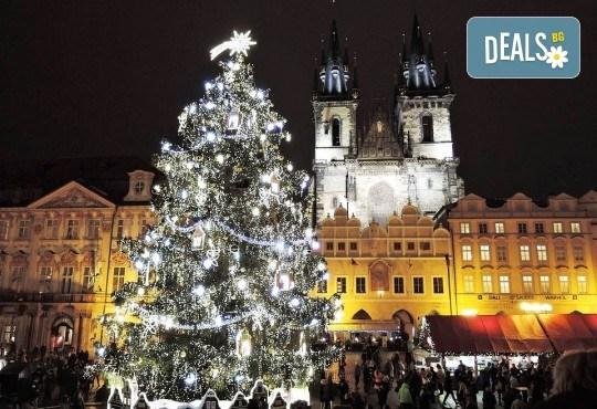 Предколедна екскурзия до Златна Прага! 3 нощувки със закуски в хотел 3*, транспорт, водач, пътни такси и посещение на Бърно - Снимка 1