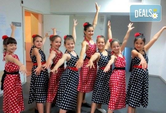 За момичета и момчета! 4 посещения на модерни и латино танци за деца 5-7 г. с Танцова формация Фюжън! - Снимка 5