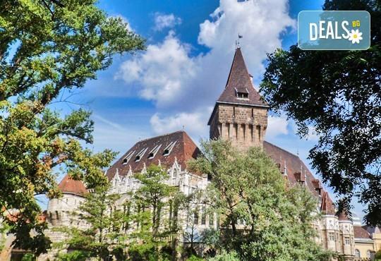 Усетете магията на Коледа във Виена и Будапеща! 3 нощувки и закуски в хотели 2/3*, панорамен тур във Виена, транспорт и водач - Снимка 8