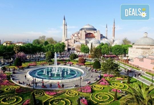 От октомври до декември в Истанбул, Турция! Екскурзия с 2 нощувки със закуски, транспорт, екскурзовод и възможност за посещение на пеещите фонтани в Watergarden! - Снимка 2