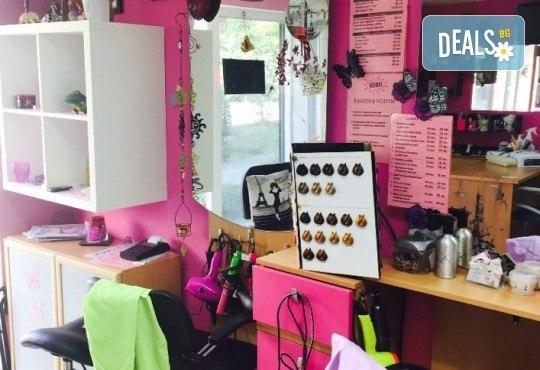 Кичури тип Балеаж, подстригване, масажно измиване, възстановяваща маска и прав сешоар в салон за красота Diva! - Снимка 5