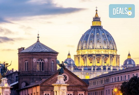 В Рим преди Коледа: 3 нощувки със закуски, самолетен билети и летищни такси
