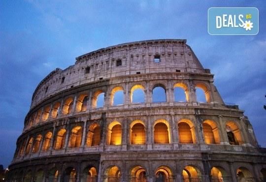 През 2018 г. във Вечния град - Рим! 3 нощувки със закуски, самолетен билет и летищни такси - Снимка 2