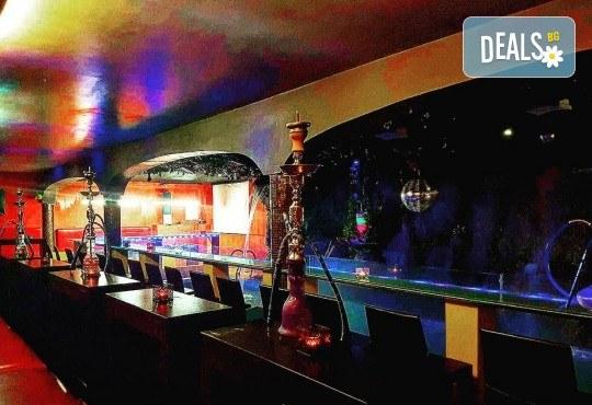 Изкусително предложение за двама! Вземете 2 алкохолни коктейла по избор от Obsession Club - Снимка 11