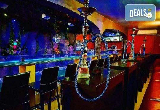 Изкусително предложение за двама! Вземете 2 алкохолни коктейла по избор от Obsession Club - Снимка 14