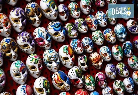 Карнавалът във Венеция през февруари! Екскурзия с 3 нощувки със закуски в Лидо ди Йезоло, транспорт и водач от Данна Холидейз! - Снимка 3