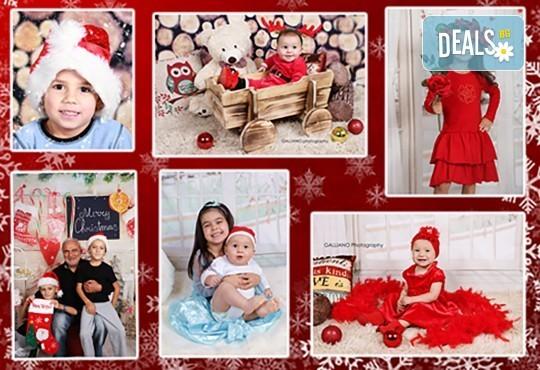 Идеалният подарък за празника! Професионална коледна фотосесия за бебета с 35 обработени кадъра от GALLIANO PHOTHOGRAPHY - Снимка 4