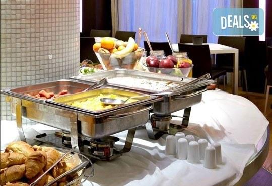 Нова Година в бутиковия Olympia Hotel 3*+ в Солун! 3 закуски, 3 нощувки, 2 вечери и Новогодишна вечеря! Собствен транспорт - Снимка 8